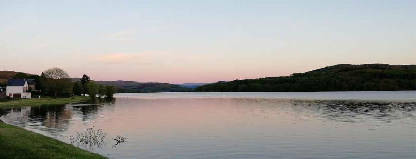 <strong>Au lac de Pannecière</strong>